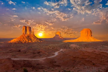 monument valley sunset clouds Wall mural