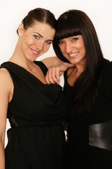Zwei attraktive Frauen