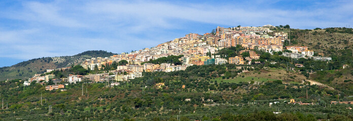 Fototapete - View of Tivoli city on the mountain at Roma
