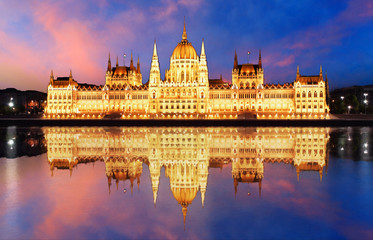 Printed kitchen splashbacks Budapest Budapest - Parliament.with reflection in Danube at night