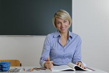 Professorin bei Prüfungsaufgaben