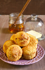 Corn muffins, honey and butter