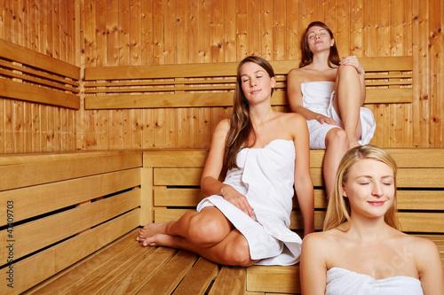 Фото в женских банях 91