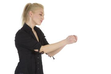 Mit beiden Händen vorsichtig halten