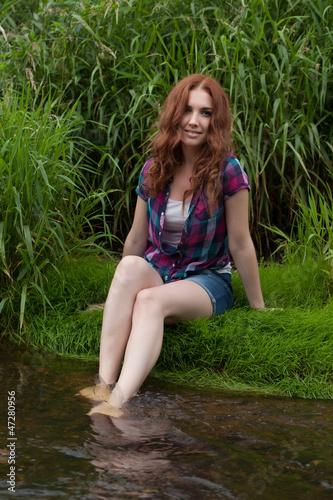Рыжая девушка фото одна и таже