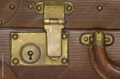 ancienne serrure de valise photo libre de droits sur la banque d 39 images image. Black Bedroom Furniture Sets. Home Design Ideas