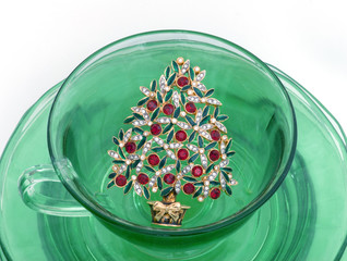 Christmas tree pin in green glass cup & plate