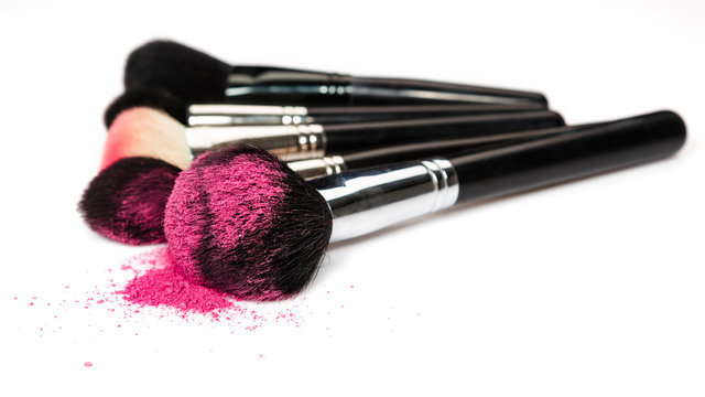 Makeup brushes and cosmetic powder