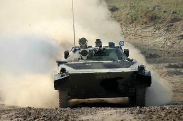 Российская бронетанковая техника в полевых условиях - БМП