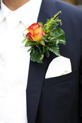 Blumenanstecker am Anzug