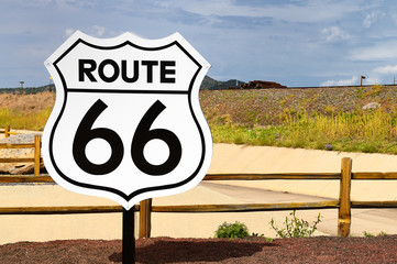 Fotobehang Route 66 Historic Route 66 Road Sign