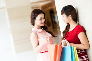 Exchanging shopping impressions