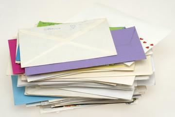 Ein Stapel Liebesbriefe