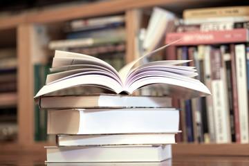 Książki w biobliotece