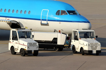 airport service cars