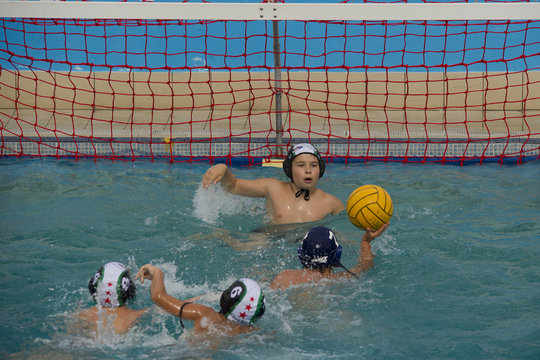 throw  in a water polo game