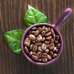 Kaffee und Blätter