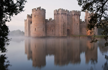 Aluminium Prints Castle Stunning moat and castle in Autumn Fall sunrise with mist over m