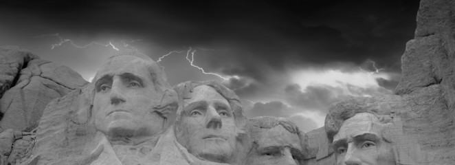 Fotomurales - Dramatic Sky above Mount Rushmore National Memorial, South Dakot