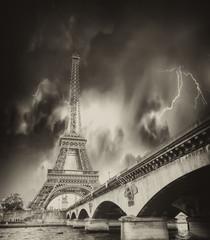 Fototapete - Storm above Eiffel Tower in Paris