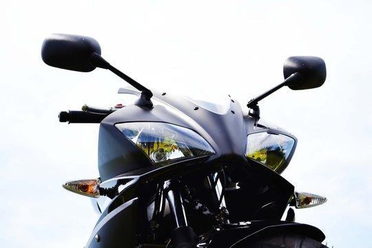 motorbike Yamaha R125 2011