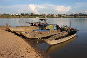 Barques de traversée du Mekong