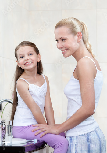 мама застал сына в ванне фото