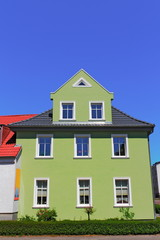 Grünes Wohnhaus