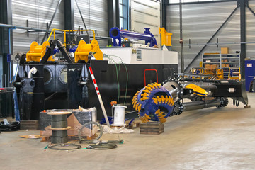 Production of the new dredger in the workshop shipyard
