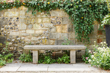 Foto auf Acrylglas Garten Bench in formal garden