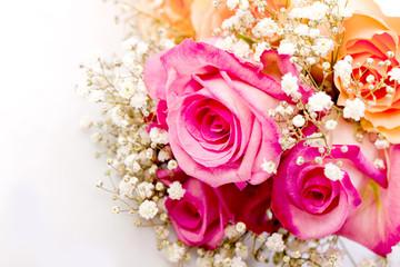 romantischer Blumenstrauss mit rosa Rosen