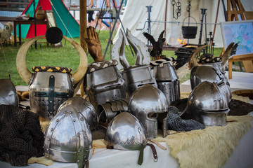 Médiéval Casques