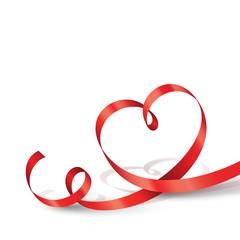 Herzförmiges rotes Geschenkband