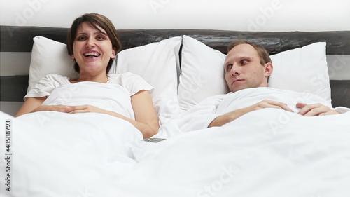 смотреть фото муж и жена в постели