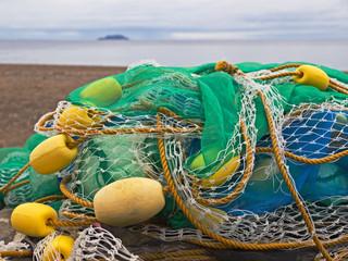 Fischernetz an Land