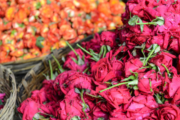 Roses in a Basket for Sale in India