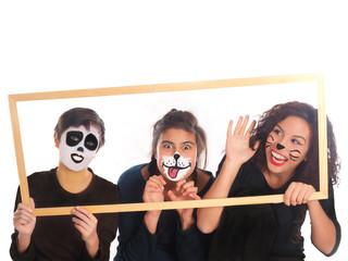geschwister mit hunde, katze und panda schminke