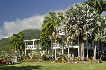 Nevis, Botanischer Garten und Restaurant
