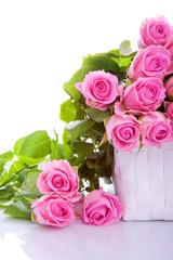 rosa Rosen Blumenstrauss in der Geschenkbox