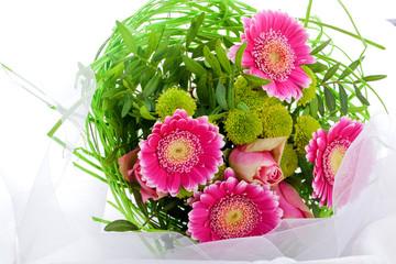 romantischer Blumenstrauss mit lila Blumen