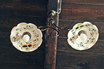 lampadario in ceramica e ottone