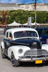 Karibik amerikanischer Oldtimer auf Kuba
