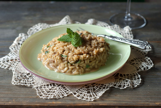 Risotto with porcini mushrooms and mint