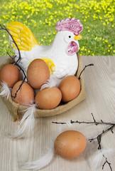 Huevos morenos.