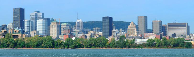 Fototapete - Montreal city skyline over river panorama