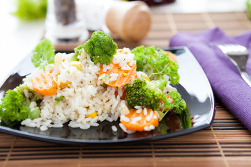 boiled white rice with vegetables