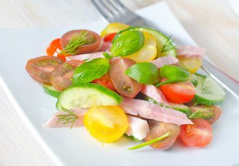 salad with ham and vegetables