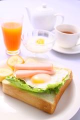 朝食 モーニング