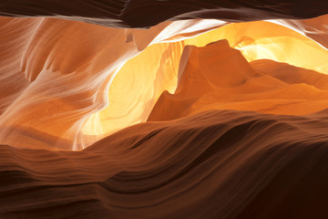 Spoed Fotobehang Canyon Antelope Canyon view with light rays