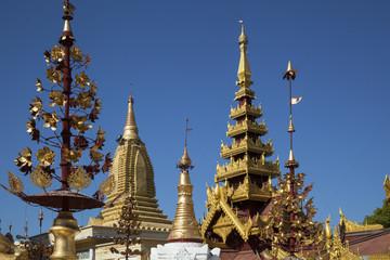 Myanmar, golden stupas